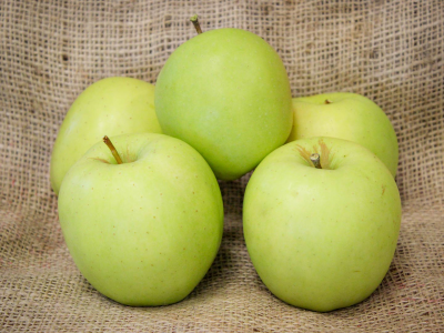 "Jablko ""GOLDEN DELICIOUS"""